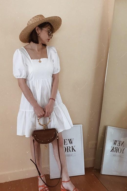 後美背鬆緊方領短洋裝