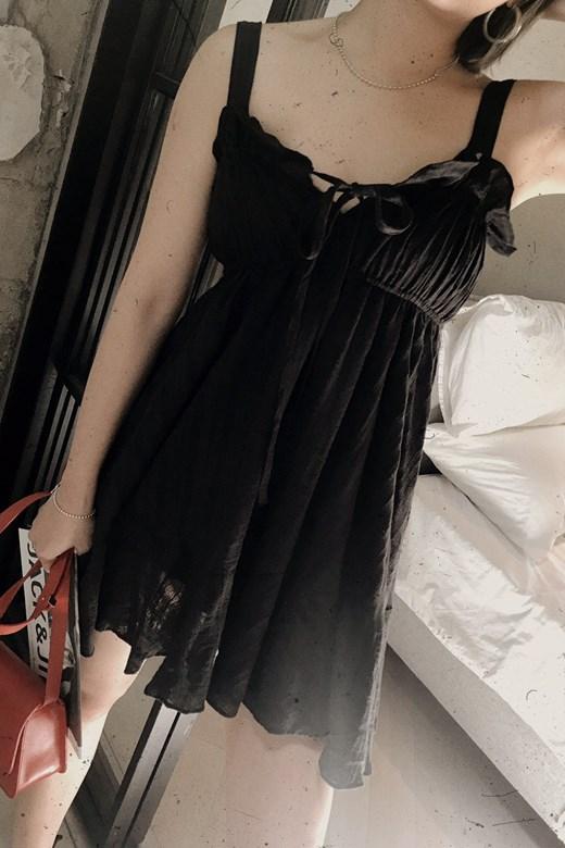 領口綁帶棉麻傘襬洋裝