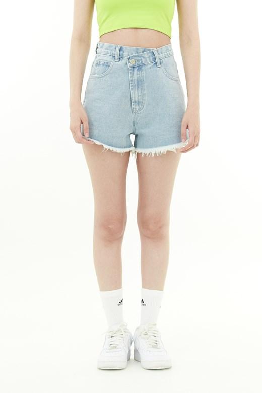 不規則腰帶牛仔短褲