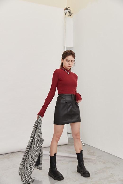 雙口袋皮革短裙