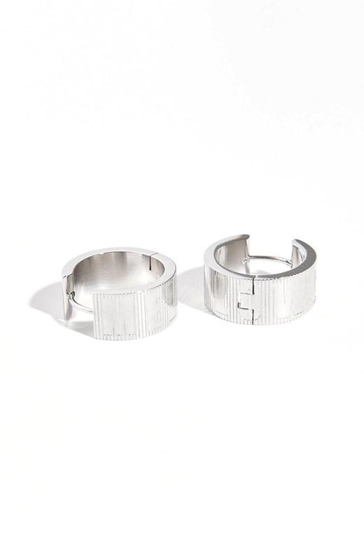 品牌雕紋圓形耳環(不鏽鋼原色)