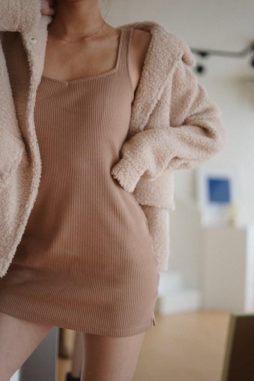 粗針織方領休閒短洋裝