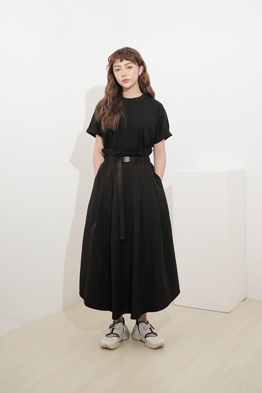 寬腰頭調節環設計長裙