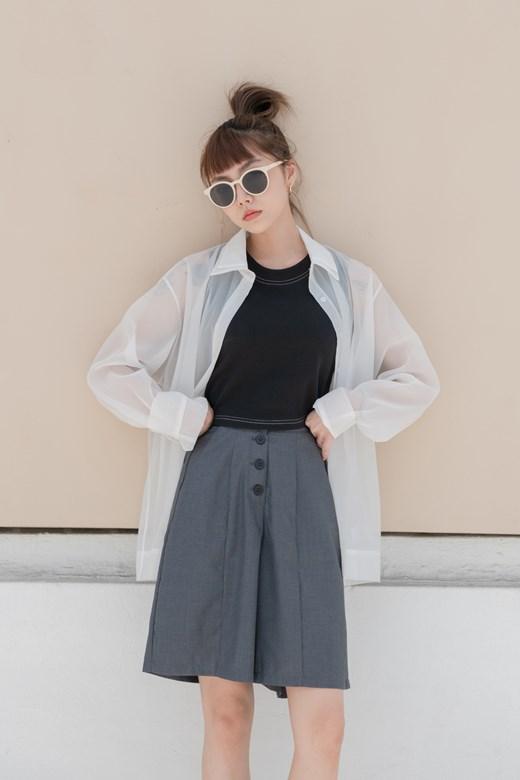 排釦造型西裝短褲