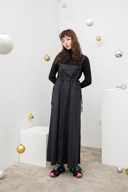 寬鬆長版吊帶裙