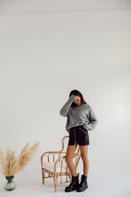 率性霧面皮裙